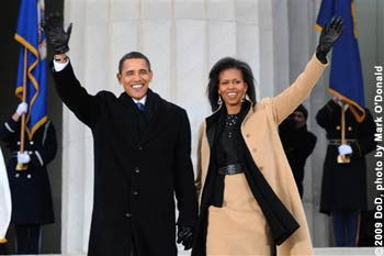 Barack Obama und Michelle Obama am Lincoln Memorial (National Mall) in Washington, D.C., Jan. 18, 2009.