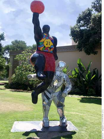 Statue vor dem San Diego Hall of Champions Sports Museum