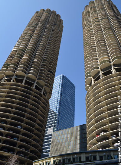 Marina City Towers am Chicago River