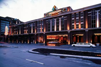 Set in the heart of Greektown, Greektown Casino features an impressive atrium, outdoor patio and windows in the gambling rooms