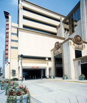 MGM Grand Detroit Casino: A shimmering world of elegance and excitement.