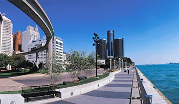 After years of renovation, downtown Detroit riverfront is alive with paved walkways, parks, and a stunning view of Canada right across the Detroit River.