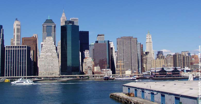 Lower Manhattan gesehen von Brooklyn Heights.